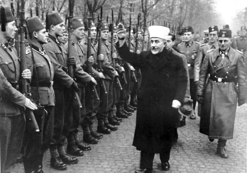 Grand Mufti reviewing the troops. Waffen SS.
